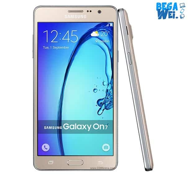 Samsung Galaxy On7 Pro dari depan dan samping